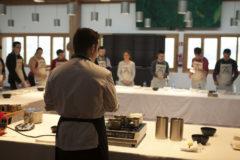 Eneko Atxa abre las puertas de sus restaurantes a jóvenes de APNABI Autismo Bizkaia